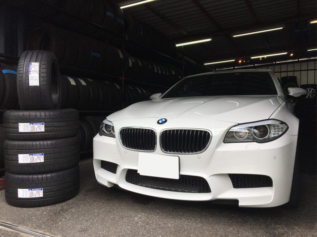 BMW M5にミシュランパイロットスーパースポーツを装着!